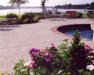Hopkinsville, KY Outdoor Pool Deck